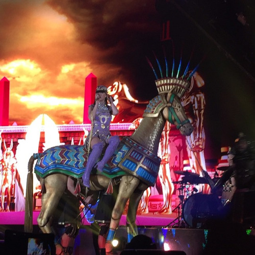 The amazing entrance for Dark Horse