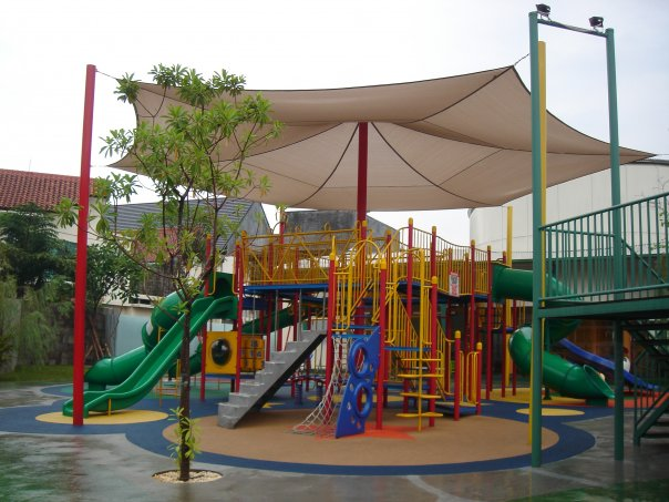 Super sliding di Playparq Kemang