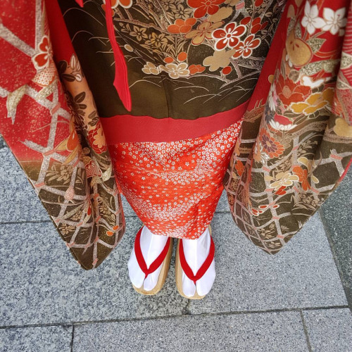 From where I stand: Tried Maiko dress and to walk with these sandals.