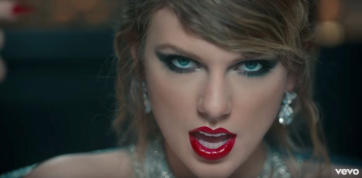 "Cat eye Taylor di clip ""Look What You Made Me Do"""